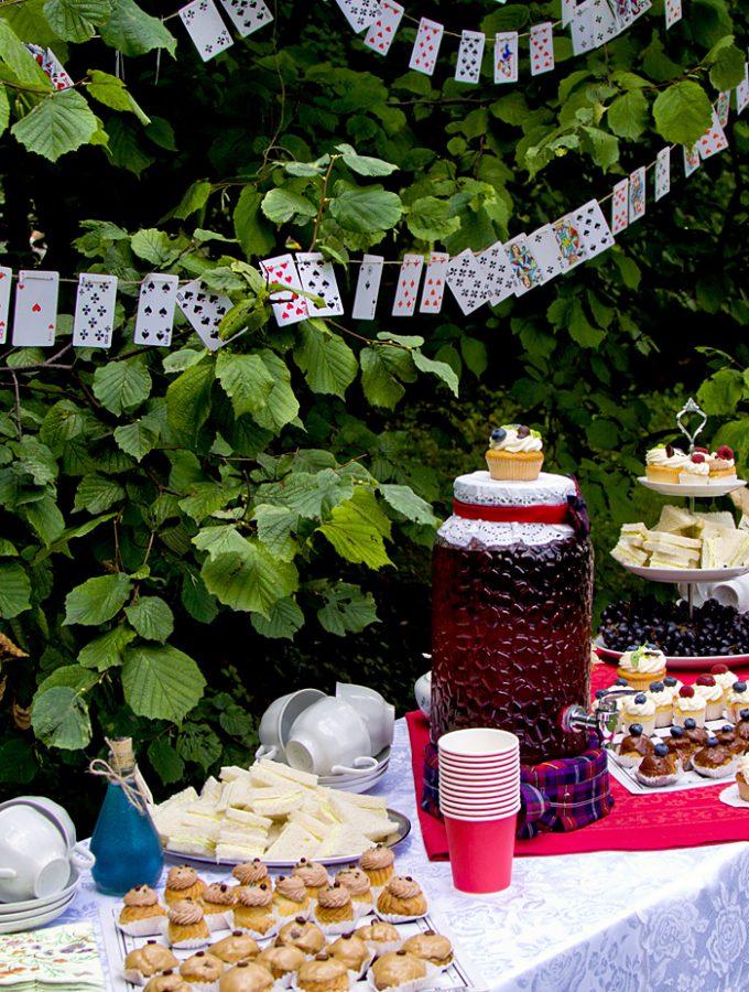 Пикник по «Алисе в Стране Чудес»: фотоотчёт