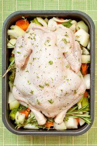 Неожиданная вечеринка. Часть 7: пирог со свининой, курица и салат (Дж. Р. Р. Толкиен. «Хоббит»)