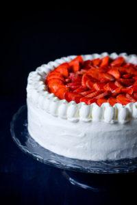 Шведский торт со взбитыми сливками (Астрид Линдгрен. «Карлсон, который живет на крыше»)