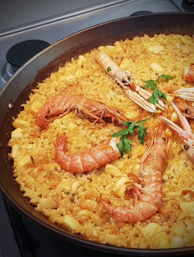 Валенсия Хемингуэя и паэлья с морепродуктами («По ком звонит колокол»)