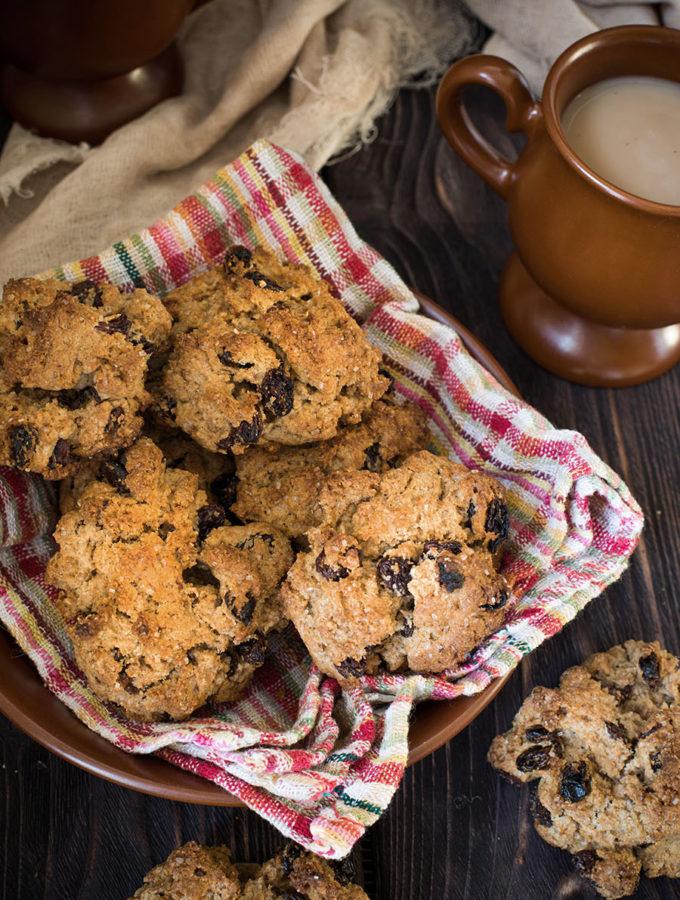 «Каменные кексы» — забытая классика к чаю (по Агате Кристи и Джоан Роулинг)